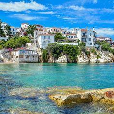 The beautiful old town of Skiathos island by @kostasicebar #skiathos #greece