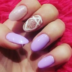 Lilac nails_mermaid effect_oval