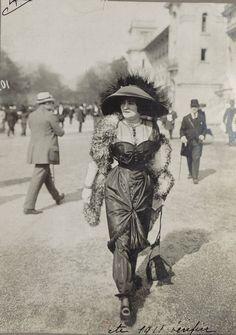 Mode aux courses, 1911