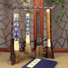 Chinese brush is utilized such as wood, bamboo, jade, porcelain, glazed pottery and ceramics or other precious materials. Today Chinese calligraphy brushes are mostly likely for wall art decor, desk accessories or handmade gift ideas.