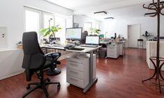Zwei Arbeitsplätze in charmanten Gemeinschaftsbüro #Büro, #Bürogemeinschaft, #Office, #Coworking, #München, #Munich