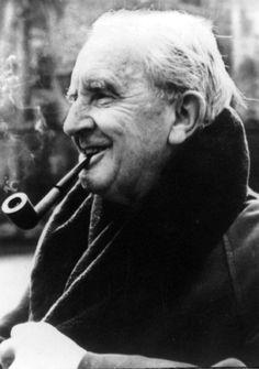 """Vor 125 Jahren wurde der Schöpfer von Mittelerde geboren - Der britische Sprachwissenschafter J.R.R. Tolkien verfasste """"Der Hobbit"""" und """"Der Herr der Ringe"""". Mehr dazu hier: http://www.nachrichten.at/nachrichten/kultur/Vor-125-Jahren-wurde-der-Schoepfer-von-Mittelerde-geboren;art16,2442295 (Bild: AFP)"""