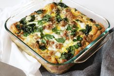 101 Meal Ideas for New Moms - This is one of my easy go-to healthy breakfast recipes. The Turkey Egg Breakfast Casserole is also a family favorite and falls under the Healthy Chicken Casserole, Healthy Casserole Recipes, Healthy Breakfast Recipes, Paleo Recipes, Cooking Recipes, Keto Casserole, Healthy Breakfasts, Recetas Whole30, Desayuno Paleo