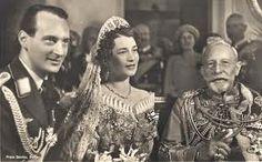Wilhelm II mit seinem Enkel, Prinz Louis Ferdinand von Preußen, als er Großherzogin Kira von Russland Mai 1938 verheiratet.