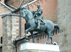 Monumento equestre di Erasmo da Narni o il Gattamelata. 1447-50, Padova. Bronzo, cava all'interno e spessa 4 mm.