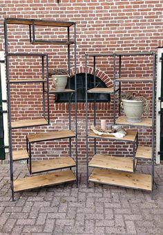House Furniture Design, Metal Furniture, Home Decor Furniture, Cool Furniture, House Design, Room Deviders, Happy New Home, Vintage Shelf, Muebles Living