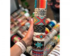 Loom Beading, Beading Patterns, Jewerly, Bangles, Embroidery Jewelry, Beads, Beadwork, How To Make, Anklets