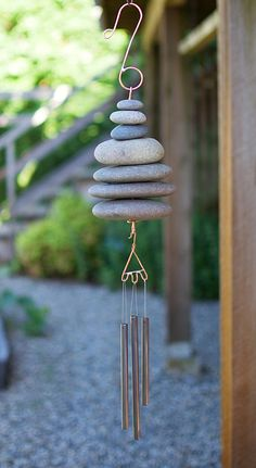 Wind Chime Beach Stone Natural Garden Decor Windchime Art by CoastChimes on Etsy Old Wine Bottles, Recycled Wine Bottles, Wine Bottle Crafts, Clay Pot Crafts, Shell Crafts, Driftwood Beach, Diy Wind Chimes, Beaded Curtains, Stone Crafts