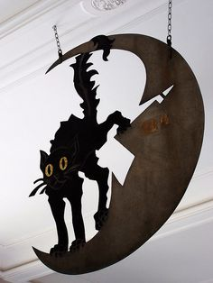 Chat in The Moon, Vintage shop Sign- Museum Carnavalet via Bex Simon Artist Blacksmith FB Moon Museum, Shop Signage, Metal Signage, Musee Carnavalet, Old Pub, Cat Signs, Sign Display, Business Signs, Store Signs