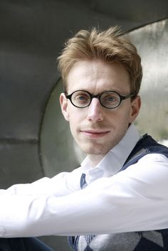 Synesthesia and the Poetry of Numbers: Autistic Savant Daniel Tammet on Literature, Math, and Empathy, by Way of Borges Numero Pi, Savant Syndrome, Twice Exceptional, Decimal Places, Extraordinary People, Amazing People, Amazing Man, Sensory Issues, Beautiful Mind