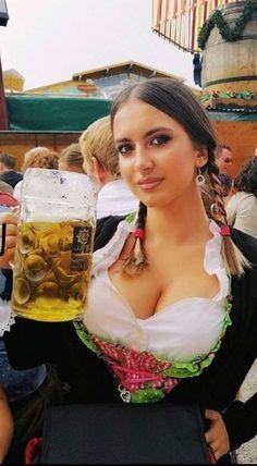 Dresses for Women Octoberfest Girls, Amazing Women, Beautiful Women, Beautiful Clothes, German Beer Festival, Oktoberfest Costume, Beer Girl, Sexy Hot Girls, Root Beer