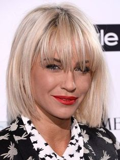 Sarah Harding showed off a choppy blonde bob hairstyle and wispy Fran . - Sarah Harding showed off a choppy blonde bob hairstyle and wispy Fran … - Haircuts For Long Hair With Bangs, Blonde Bob Hairstyles, Medium Bob Hairstyles, Fringe Hairstyles, Hairstyles With Bangs, Short Hair Cuts, Straight Hairstyles, Cool Hairstyles, Short Hair Styles