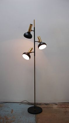 Oscar Torlasco; Enameled Metal and Brass Floor Lamp, 1950s.