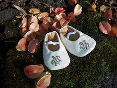 Hawaiian Baby Shoes Honu. $15.50, via Etsy.