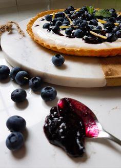 Blueberry pie with coconut cream
