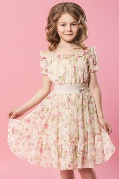 Young Girl Fashion, Girls Fashion Clothes, Little Girl Fashion, Kids Fashion, Smocked Baby Dresses, Toddler Girl Dresses, Dresses For Teens, Girls Dresses, Girls Frock Design