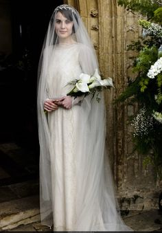 I absolutely love Mary from Downton Abbey's organza veil.