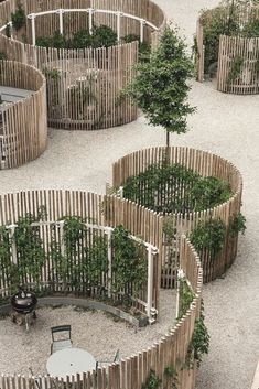 Een prachtig modern, grijs interieur met colour splashes A beautiful modern, gray interior with color … Interior Design Inspiration, Garden Inspiration, Design Ideas, Apartment Inspiration, Design Projects, House Projects, Design Design, Garden Ideas, Looking For Houses