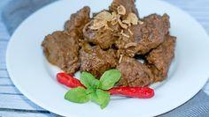 Mausteinen ja aromikas, indonesialainen rendang on valittu maailman parhaaksi ruoaksi CNN-kanavan äänestyksessä. Murea liharuoka tarjoillaan keitetyn tai höyrytetyn riisin kera.