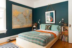 Amando essa combinação de turquesa com laranja. A Designer's Family-Friendly Home in San Francisco - Home Tours 2014 - Lonny