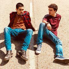 Omar e Itzan Omar Actor, Vampire Diaries, Tv Series, Netflix Originals, Celebrities, Movies, Beautiful People, Dramas, Lgbt