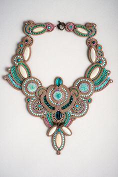 Jade libellule - collier concours soutache fantaisie en soutache collana vert taupe et lucide, soutache collier, collier soutache