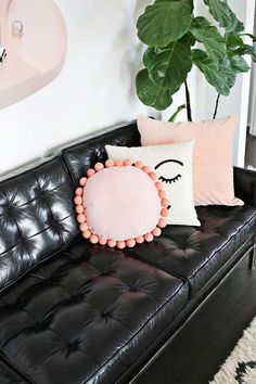 Round felt ball pillow DIY