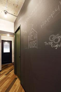 チョーククロス、壁紙、黒板、廊下、壁、伝言板、リノベーション、Three Eight