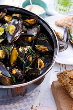 Feel Good Food, Mussels, Fish And Seafood, Kung Pao Chicken, Pot Roast, Food Inspiration, Sweet Recipes, Brunch, Food And Drink