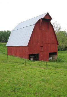 Red Barn..Plain No Trim