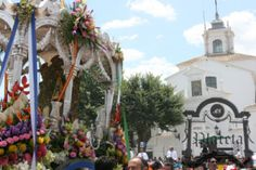 Salida de la Hermandad de Huelva al Rocío.