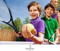 Onur Park Life; tenis kortları, basketbol ve voleybol sahası, koşu parkuru, açık ve kapalı yüzme havuzu gibi sosyal donatı alanları ile çocuklarınıza, sporu merkezine alan sağlıklı bir yaşam vadediyor.