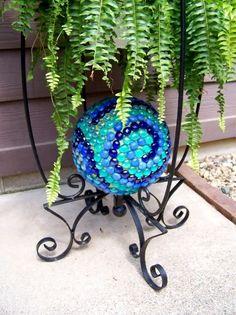 bowling ball art, bowl ball, garden projects, balls, gaze ball, bowling ball gazing ball, mosaic gaze, garden ball, mosaic art