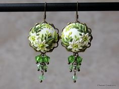 Polymer Clay Applique Green and White Floral Earrings with Swarovski Crystals - Thea Fimo Clay, Polymer Clay Crafts, Polymer Clay Jewelry, Biscuit, Polymer Clay Embroidery, Precious Metal Clay, Cream Flowers, Polymer Clay Creations, Making Ideas
