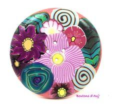 Bouton rond 5 cm: un joli bouquet rose