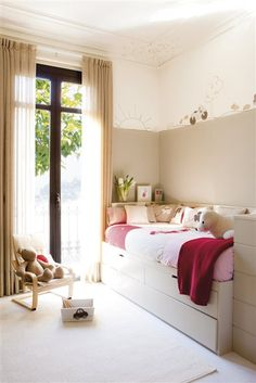Neutral walls and furniture with pink accents in this kids bedroom Small Space Interior Design, Space Interiors, Girl Decor, Big Girl Rooms, Bedroom Styles, New Room, Ideal Home, Girls Bedroom, Kids Furniture