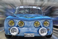 Renault 8 by Lluis de Haro Sanchez