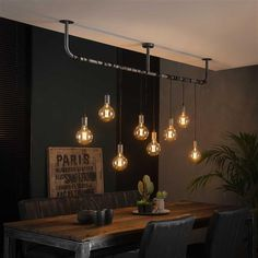 Estilo Industrial Chic, Industrial Living, Dining Table Lighting, Industrial Ceiling Lights, Home Living Room, Interior Design Living Room, Room Interior, Room Lights, Hanging Lights