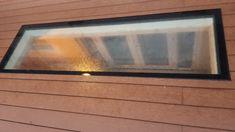 De vlonders sluiten perfect aan, waardoor het daklicht helemaal gelijk ligt. Frame, Decor, Picture Frame, Decoration, Decorating, Frames, Deco