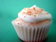 Key Lime Pie Cupcakes - Taste and Tell