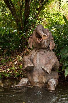 This elephant is definitely enjoying its bath