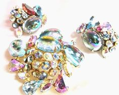 GORGEOUS PEACOCK BLUE EARRING & BROOCH SET SIGNED  ALICE CAVINESS - RARE