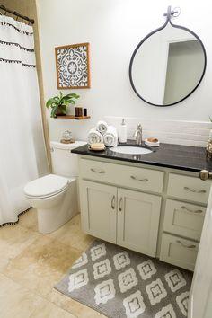 42 Super Creative DIY Bathroom Storage Projects to Organize Your Bathroom on a Budget - The Trending House Boho Bathroom, Bathroom Interior, Modern Bathroom, Small Bathroom, Master Bathroom, Bathrooms, Teen Bathroom Decor, Bathroom Accesories, Relaxing Bathroom