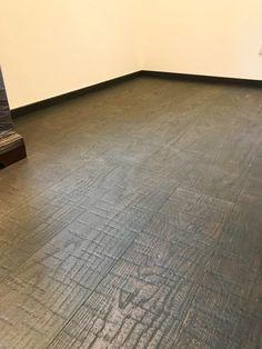 #parkett #landhausdiele #weineiche #weitzer parkett Hardwood Floors, Flooring, Oak Tree, Floor, Wood, Wood Floors Plus, Wood Flooring, Hardwood Floor