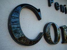 vacuüm gevormde letters in meer dan 123 uitvoeringen Plastic Letters, Letter Form, Signage, Dan, Workshop, Branding, Display, Style, Floor Space