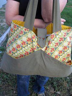 DIY Diaper bag - not sure what makes it a diaper bag, instead of just a regular bad, but I like it.