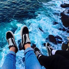 Chaussures Vans Old Skool Black/White - Emilia Fleming Rainbow Aesthetic, Aesthetic Colors, Aesthetic Pictures, Blue Aesthetic Tumblr, Blue Eyes Aesthetic, Aesthetic Grunge Tumblr, Summer Aesthetic, Travel Aesthetic, Aesthetic Fashion