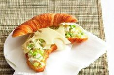 20 jídel do krabičky | Apetitonline.cz Croissant, Hot Dog Buns, Sushi, Tacos, Pizza, Bread, Ethnic Recipes, Food, Meal