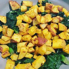 Good Morning! Spicy Kale Scramble from Meal Mentor's The Big Breakfast Book. #wholefoods #plantstrong #plantbased #veganshare #veganfoodporn #vegansofig #veganfoodshare #veganos #veganoslatinos #oilfree #oilfreecooking #oilfreevegan #cleanfood #cleaneats #nooil #nooiladded #nooilcooking #wfpb #plantpure #mealmentor #happyherbivore #lindsaynixon #veganorriqueño #veganrican #wfpbvegan #kale #kalescramble  Yummery - best recipes. Follow Us! #veganfoodporn