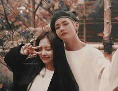 Im speechles. Bts Blackpink, Bts Taehyung, Kpop Couples, Cute Couples, Korean Couple, Korean Girl, Taekook, Boy Band, Bts Girl